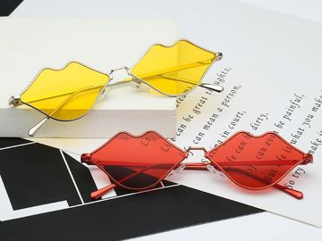 New: Color Lips Glasses